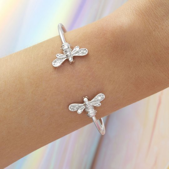 Sparkle Bee Bangle Bracelet (OBJAMB117)