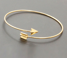 Load image into Gallery viewer, Spike Arrow Bracelet - palmpé