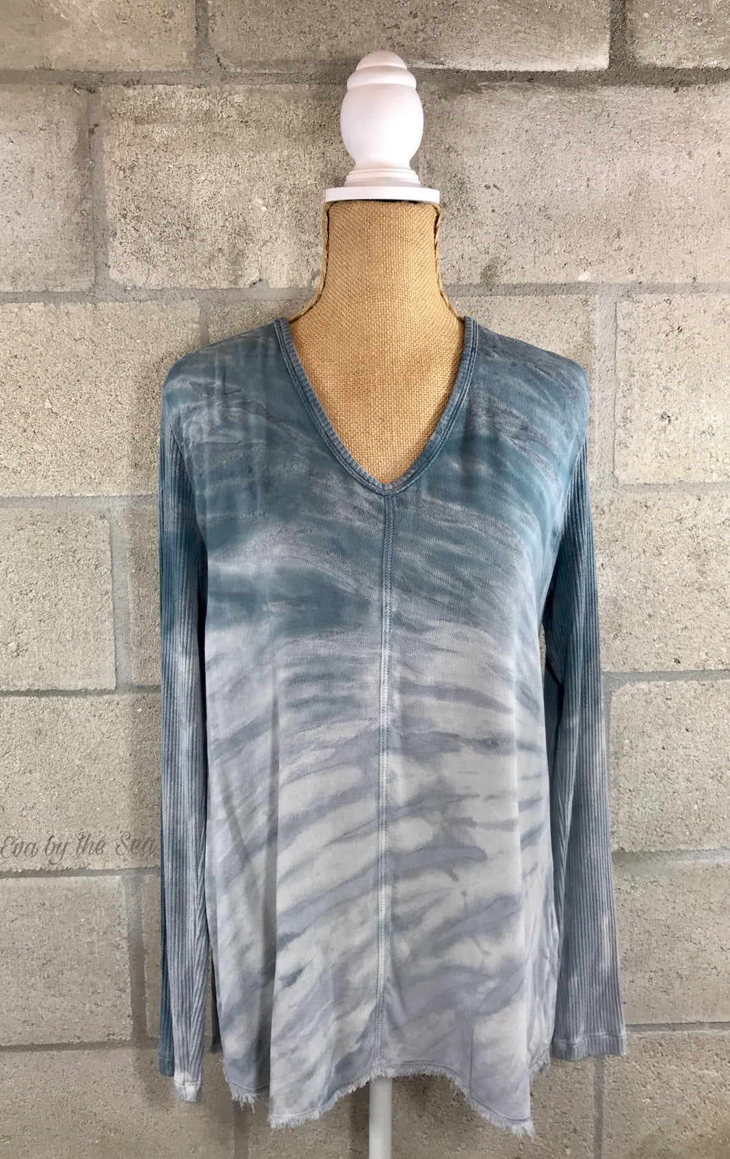 Fringe Bottom Tie Dye Print Long Sleeve Top in Blue
