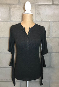 Elbow Cut-Out Thermal with Thumb Holes in Charcoal