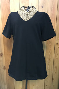 V-Neck T-Shirt in Black