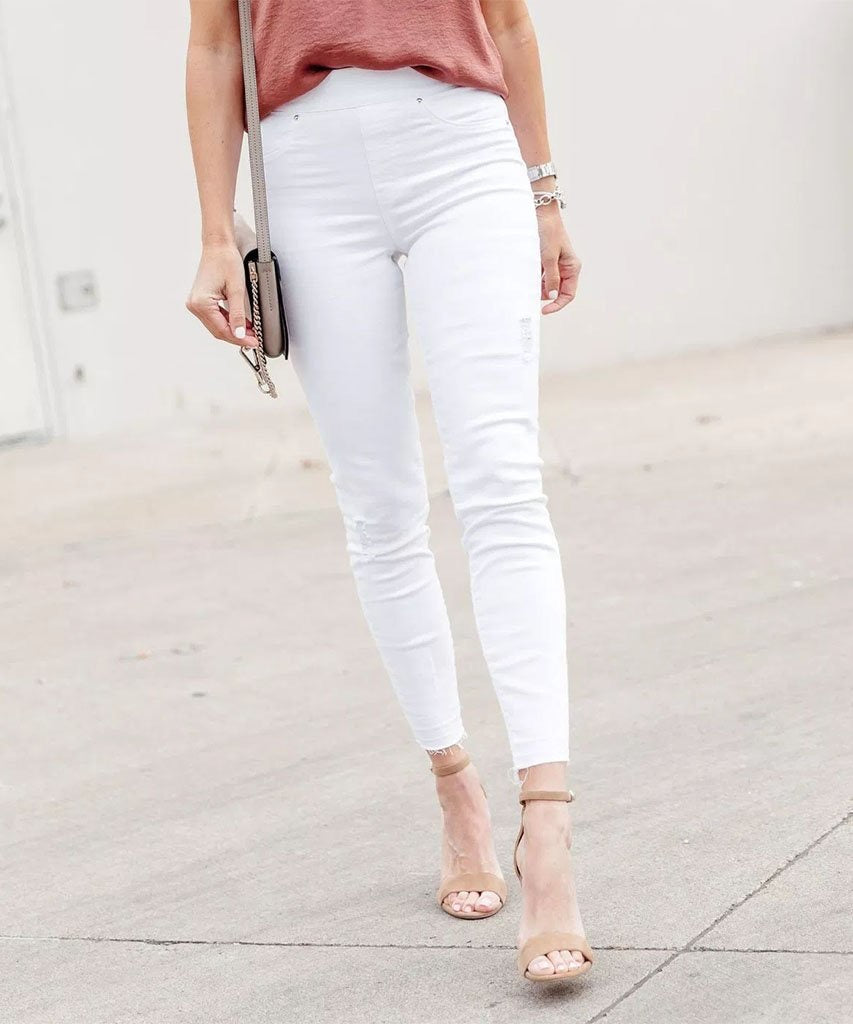 Distressed Skinny Jeans in White