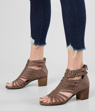 Ofanto Heeled Sandal in Taupe