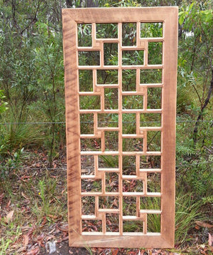 Large family multi frame that holds 40 pictures. Light Oregon timber.