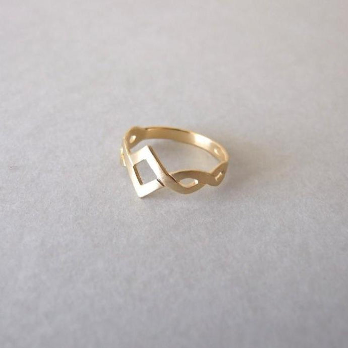 14k Gold Delicate Celtic Ring