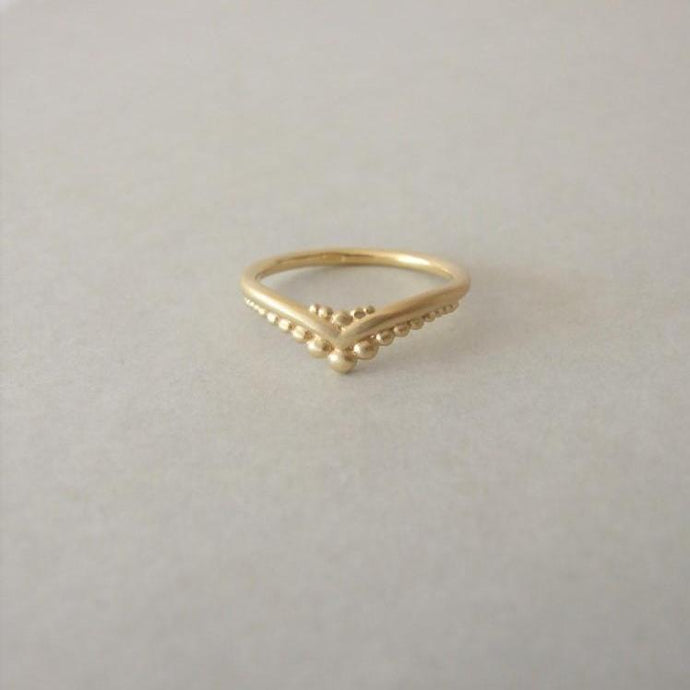 14K Gold Delicate Berries V Wedding Ring