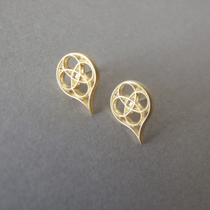 14k Gold Gothic Tear Stud Earrings