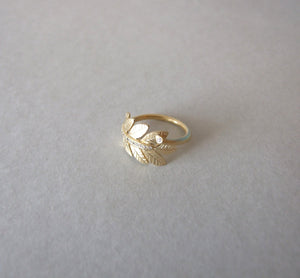 14k Gold Leaf Ring with Cubic Zirconias