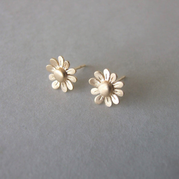14k Gold Small Flower Stud Earrings