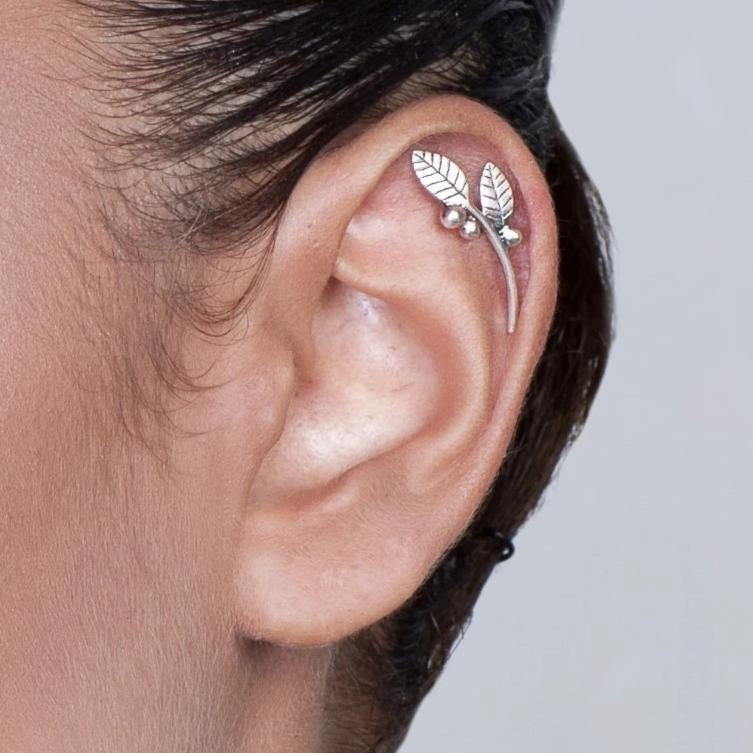 Leaves and Berries Silver Cartilage Earring
