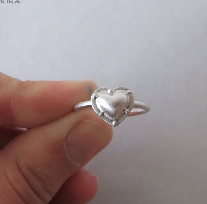 14k White Gold Riveted Heart Ring