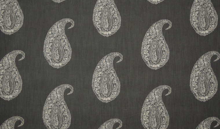 Live Paisley in Black + White