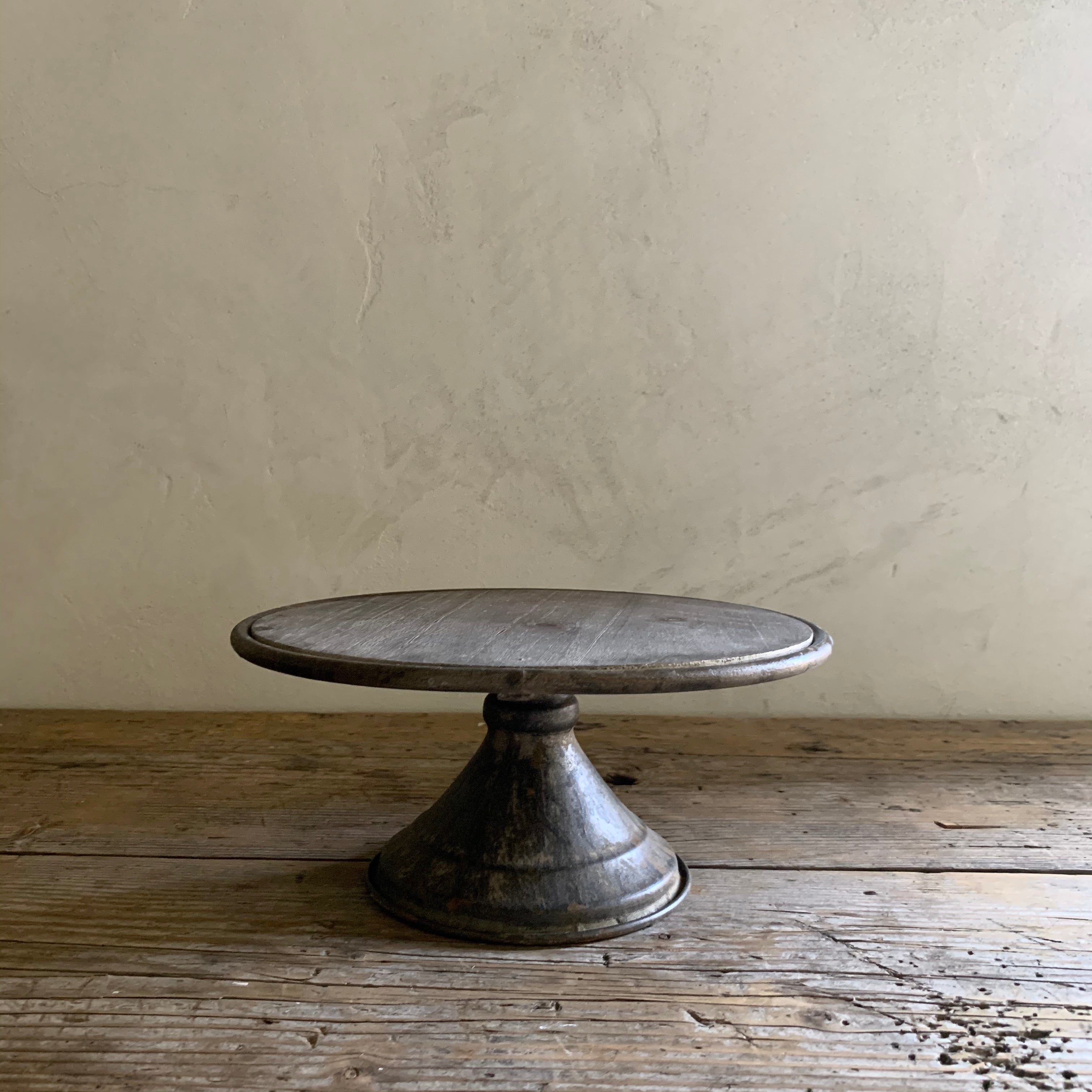 metal + wood pedestal