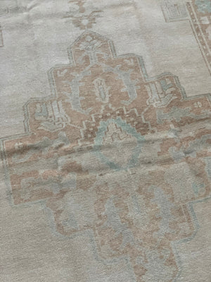 "vintage handknotted anatolian rug -  4' 7"" x 8' 4"""