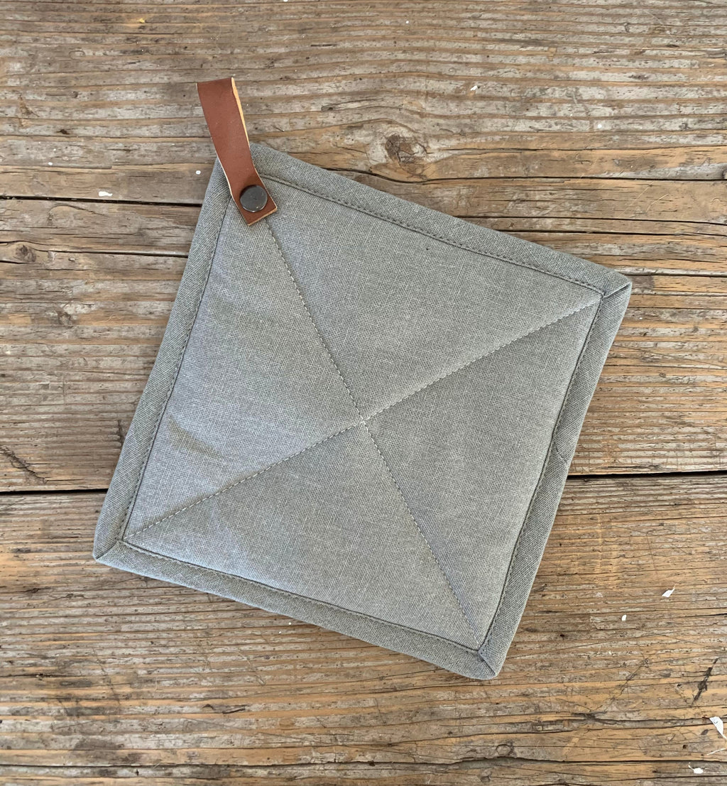 "8"" square pot holder"