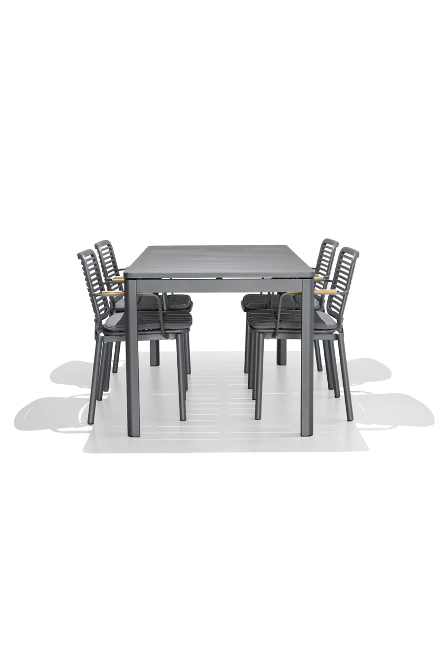 PIPPA dining table - Aluminium