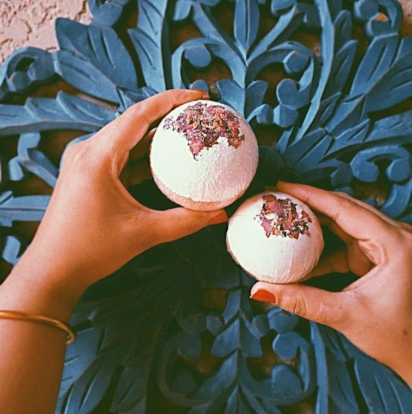 Handmade and Natural Bath Bomb Bombs Away - Natural Bath & Co. Rose Gold Bath Bomb
