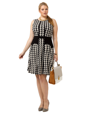 Sleeveless Dress In Classic Houndstooth