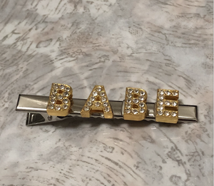 * Customize any 1-7 letters (silver clip) choose letter color
