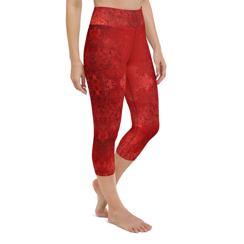 Rêves Rouge High-Rise Capri Leggings