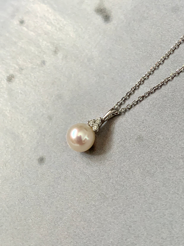 Handmade freshwater pearl and diamond pendant with white gold chain