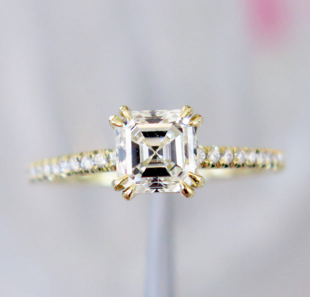 LORAYNA DIAMOND RING