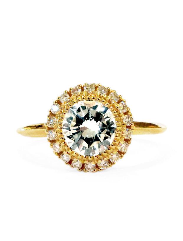 Unique vintage inspired diamond halo ring with milgrain in yellow gold - Marquesa