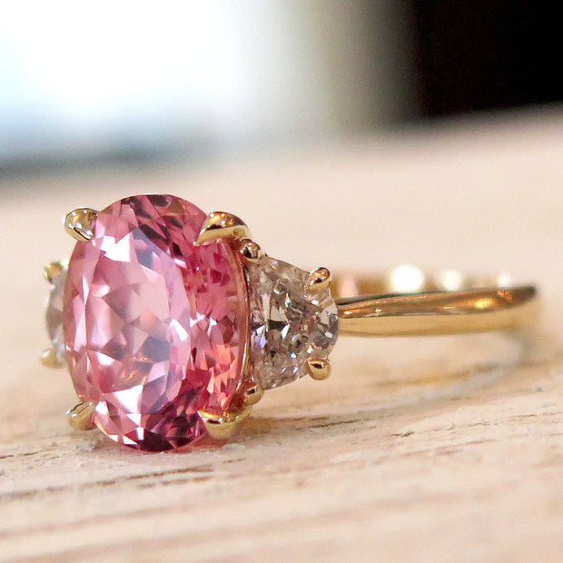 Unique Peach Sapphire Engagement Ring in Padparadscha Oval Cut Yellow Gold