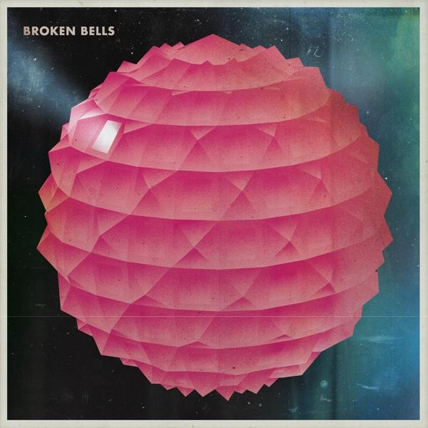 Broken Bells on Broken Bells nimisen bändin LP-levy.