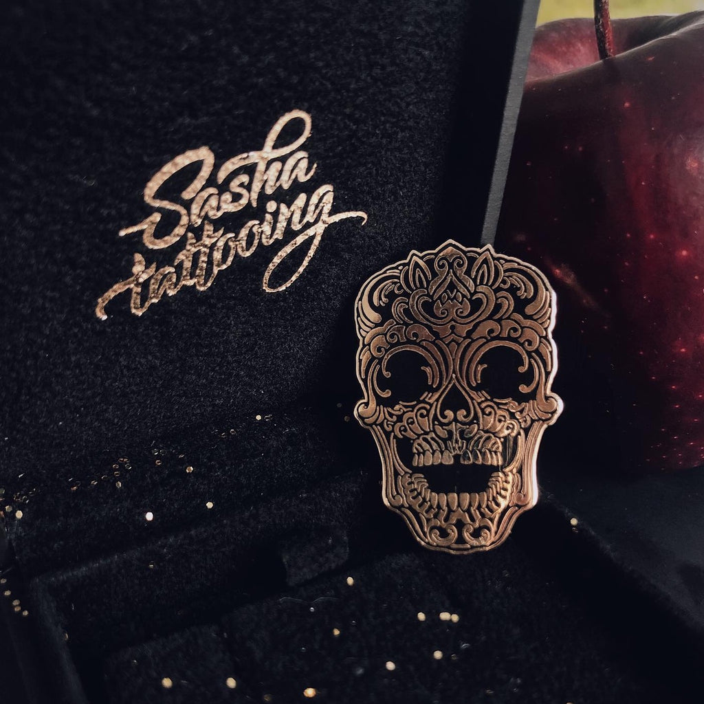 Skull Pin in Gold