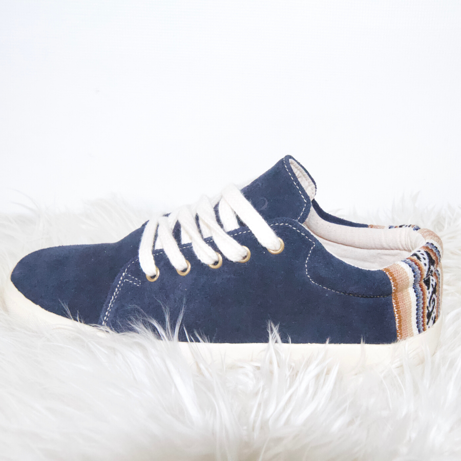 Suede Low Top Shoe Navy