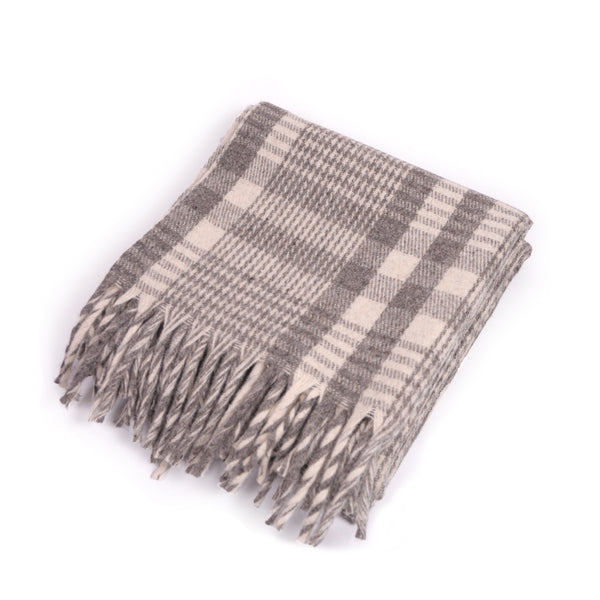 Plaid-Wool-Throw