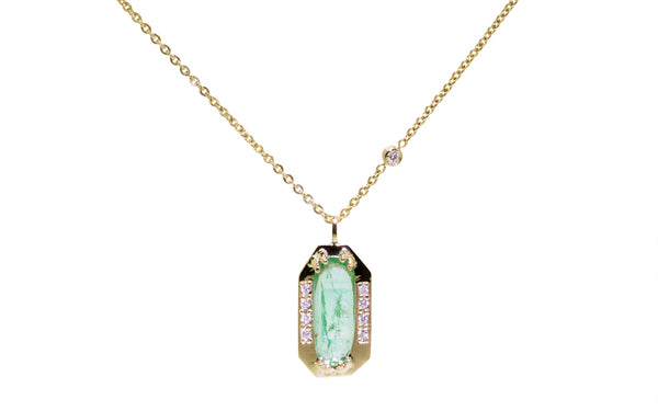 1.30ct emerald necklace worn on a model