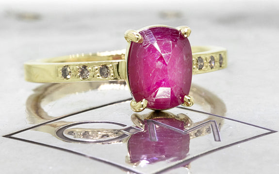 1.52ct Ruby Ring front view on logo