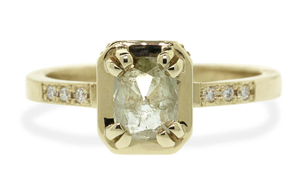 MAROA Ring in Yellow Gold with .71 Carat Light Champagne Diamond