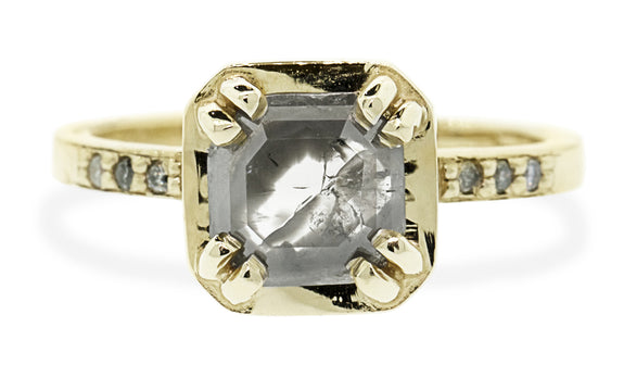 MAROA Ring in Yellow Gold with .89 Carat Gray and Clear White Diamond
