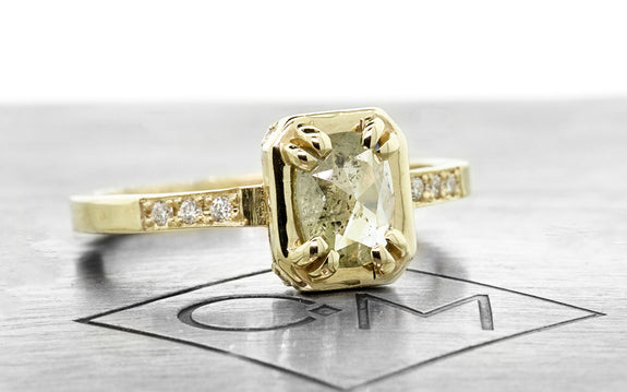 MAROA Ring in Yellow Gold with .53 Carat Light Champagne Diamond