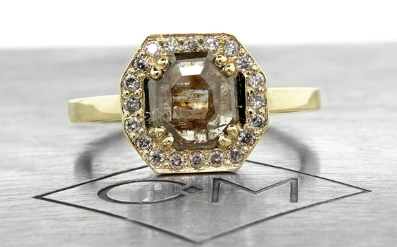 KATLA Ring in Yellow Gold with .77 Carat Gray/Cognac Diamond