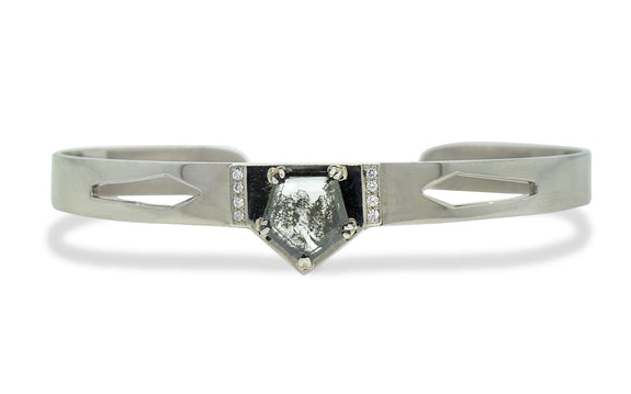MERU Bracelet in White Gold with 1.56 Carat Salt and Pepper Diamond