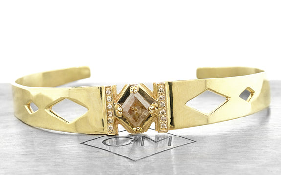 MERU Bracelet in Yellow Gold with .93 Carat Peach Diamond