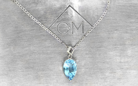 3.9ct Swiss Blue Topaz Necklace front view