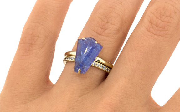 4.08ct Tanzanite Ring side view