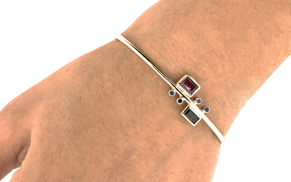 Garnet and Sapphire Bracelet side view