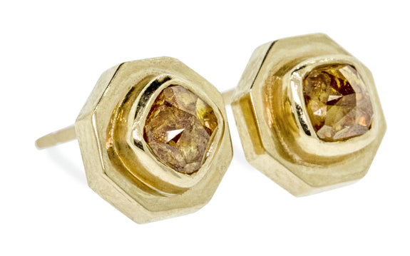 ASKJA Earrings in Yellow Gold with .66 Carat Honey Diamonds