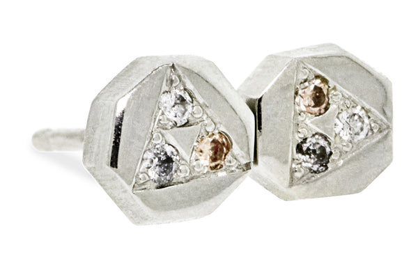 ASKJA Triangle Earrings in White Gold with Mixed Color Diamond Pavé