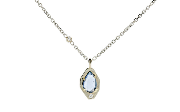 1.13ct blue sapphire necklace worn on model