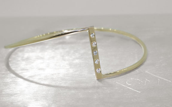 ZigZag Bracelet with Diamonds in Yellow Gold front view