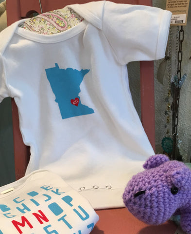 Super-cute Onesies for that special Minnesota Baby