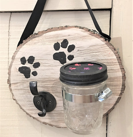 Pup Station to keep leash and treats handy from Art2Heart