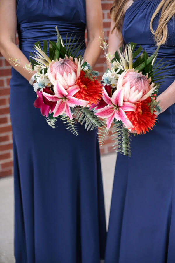 Destination Weddings - Rent your Wedding Bouquets and Save